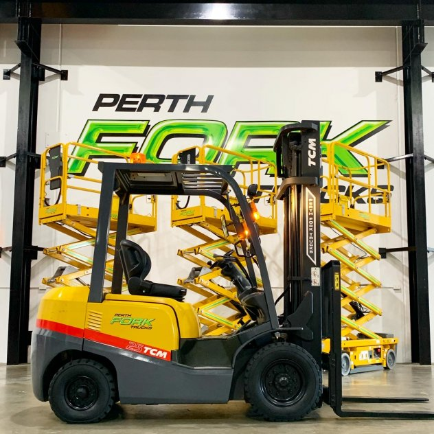 TCM 2.5T Forklift