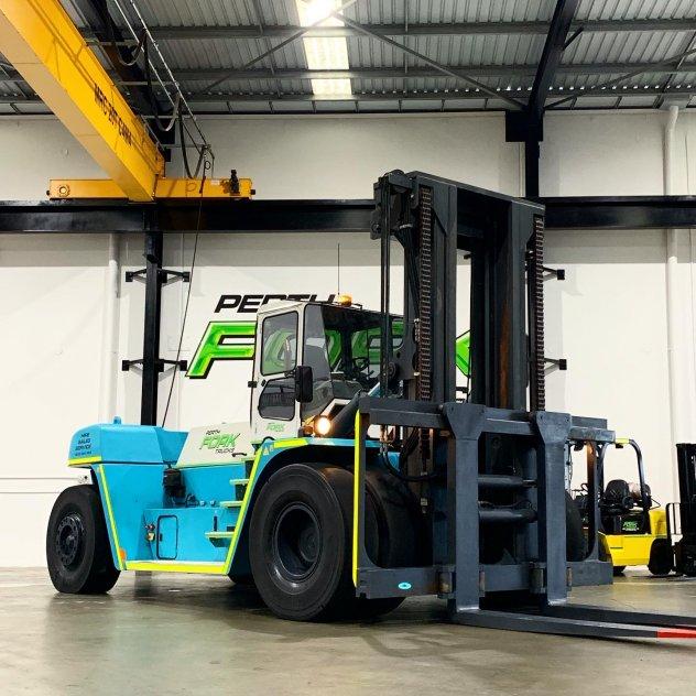 2012 SMV 32-1200B Forklift