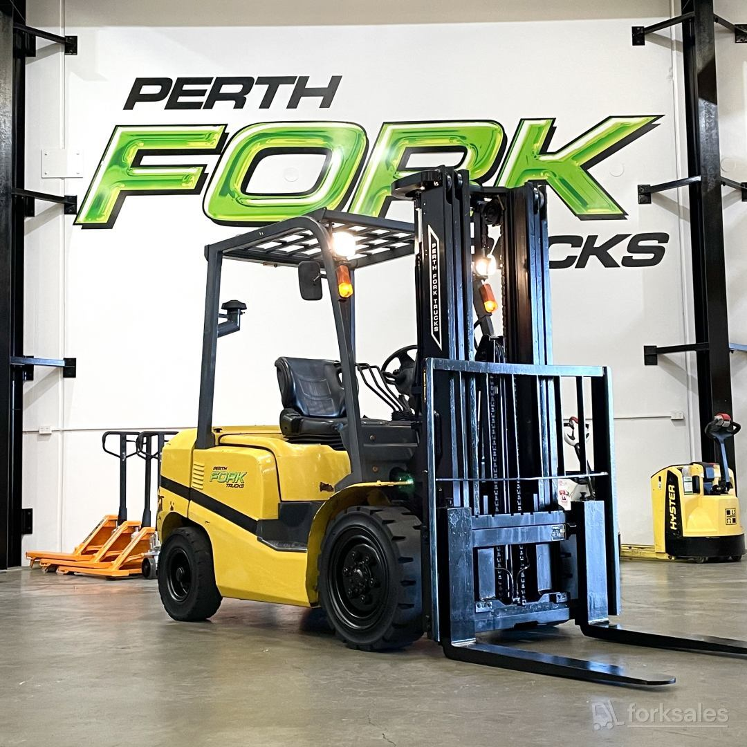 TCM 3T Container Mast Forklift