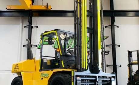 Komatsu 11.5T Forklift