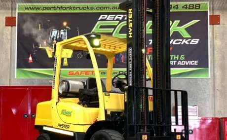 Hyster 4T Forklift