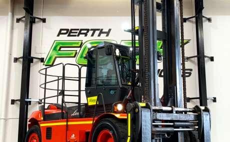 Linde 16T-1200 Forklift